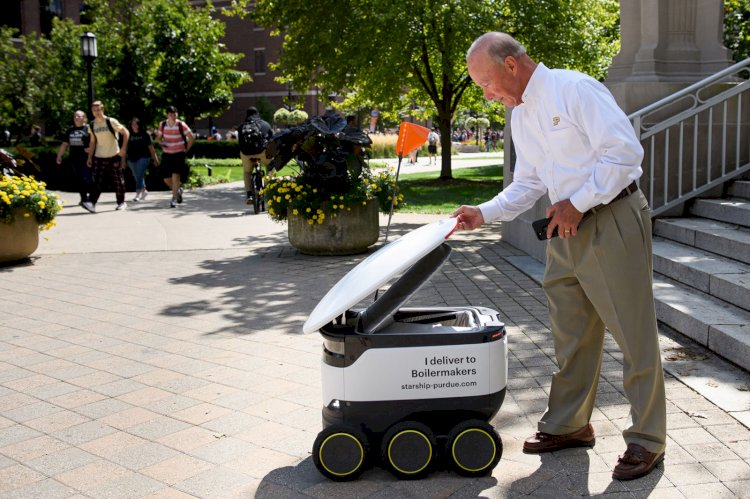 Starships delivery robots now serve Purdue University